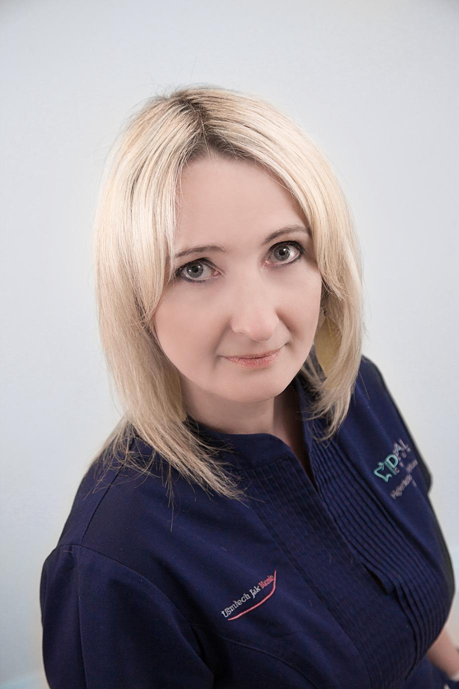 ALEKSANDRA KUTZ Dyplomowana Higienistka i Asystentka Stomatologiczna - _MG_2158(2)